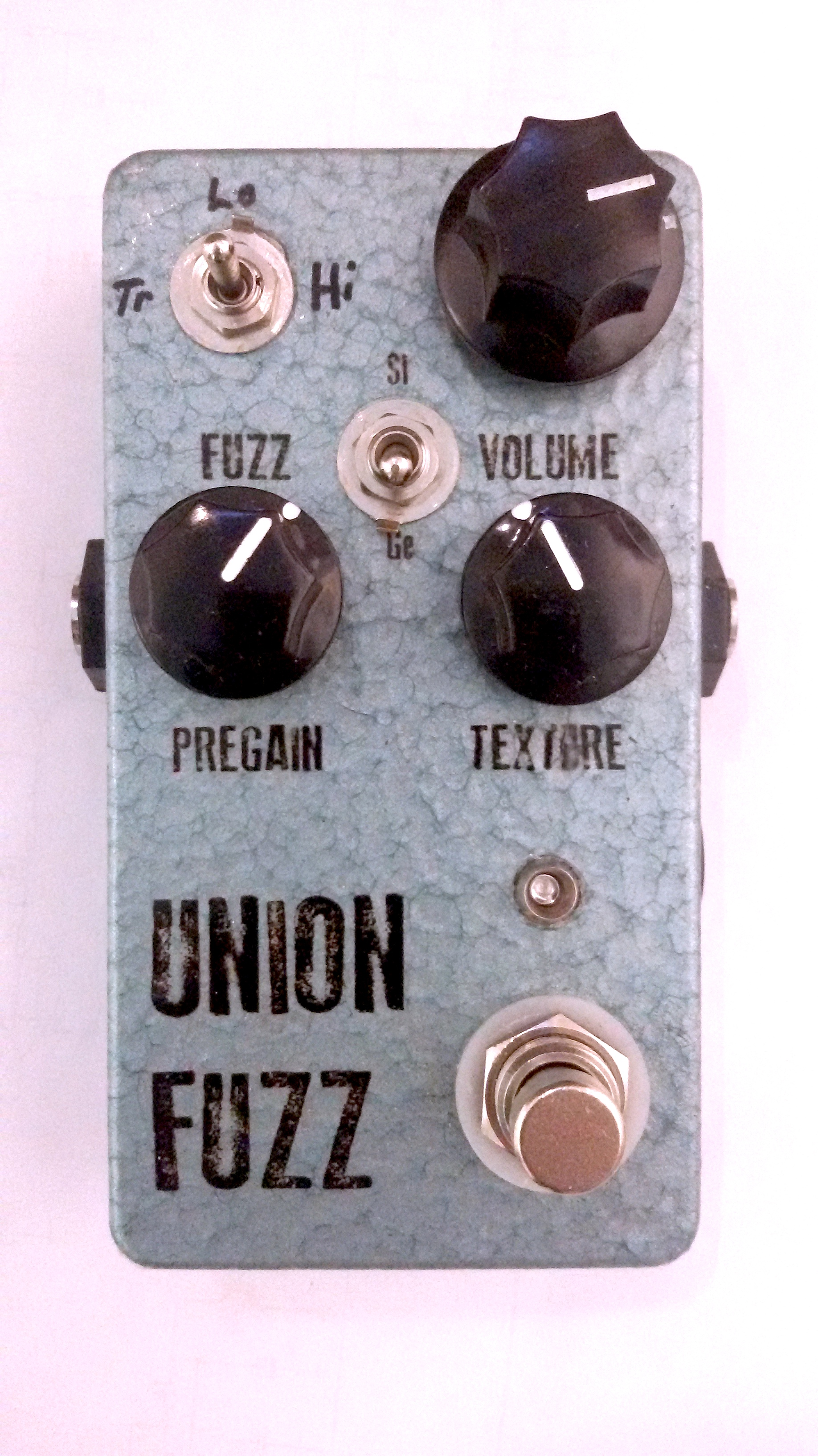 Jdm Pedals Union Fuzz Switchable Germanium Silicon Pedal 3 Way Switch Operation Innovative Voicing And We Have Moved It Into A Slightly Larger Enclosure 125b To Make Battery More Easily Possible